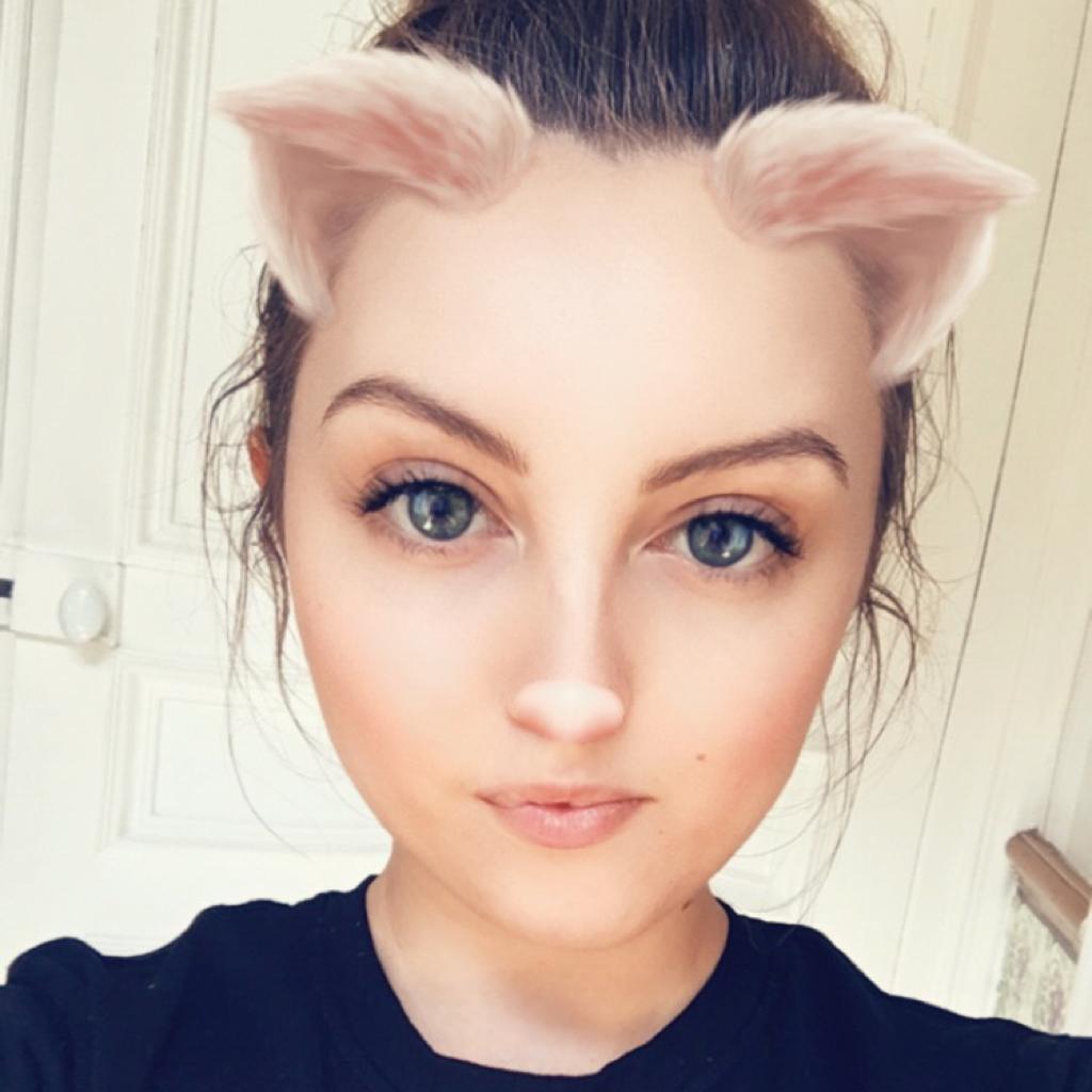 Elodie Battaire