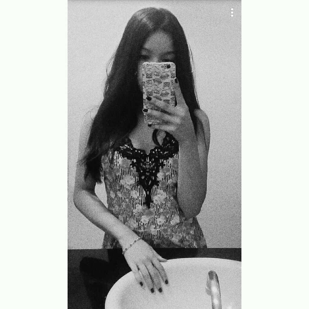 • Karine •