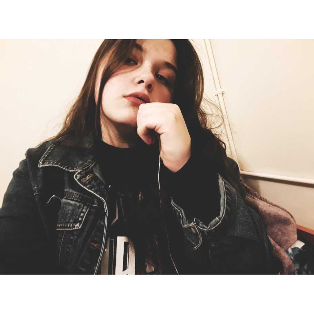 •Sandy•