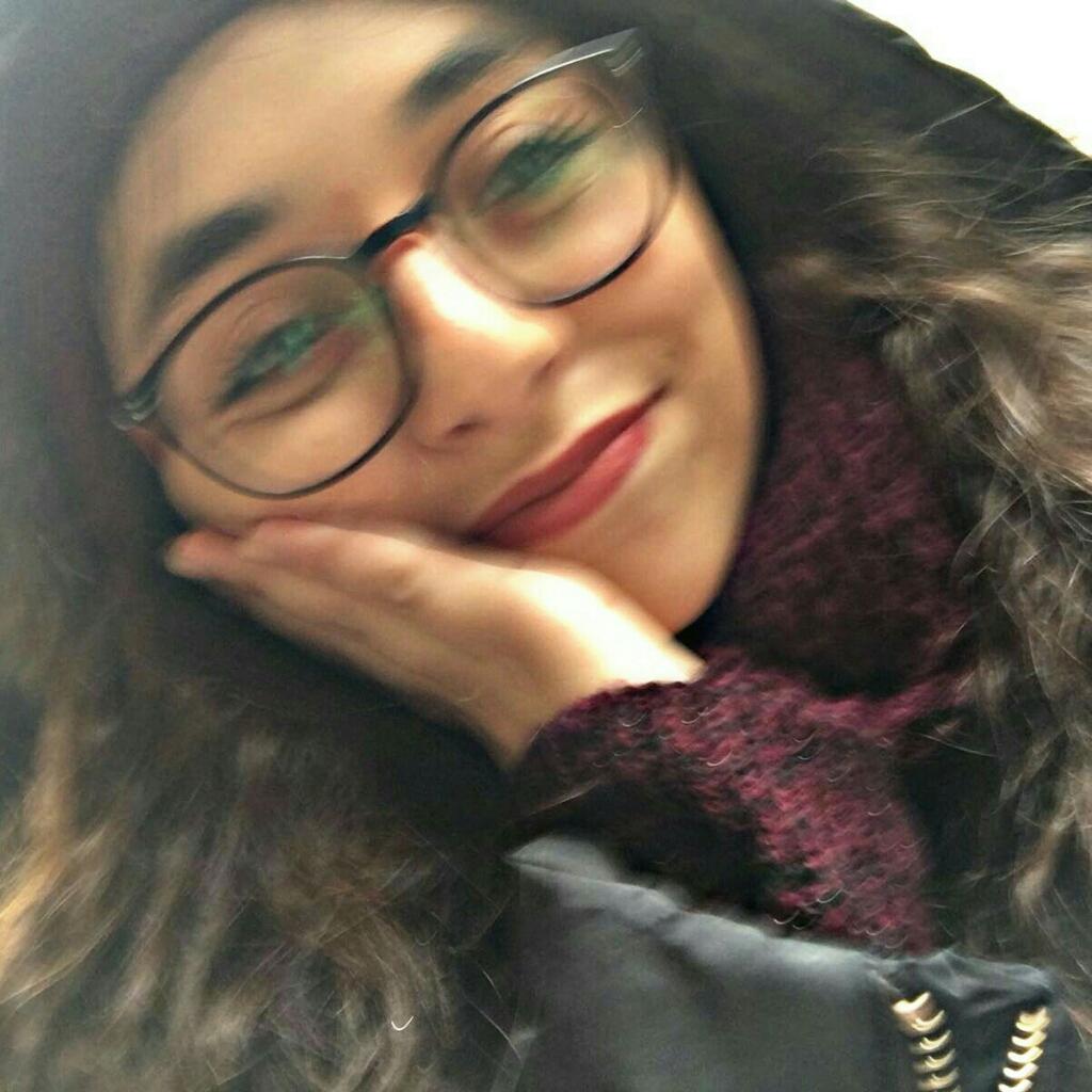 Esra Kayhan