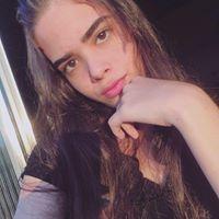 Letícia Lins