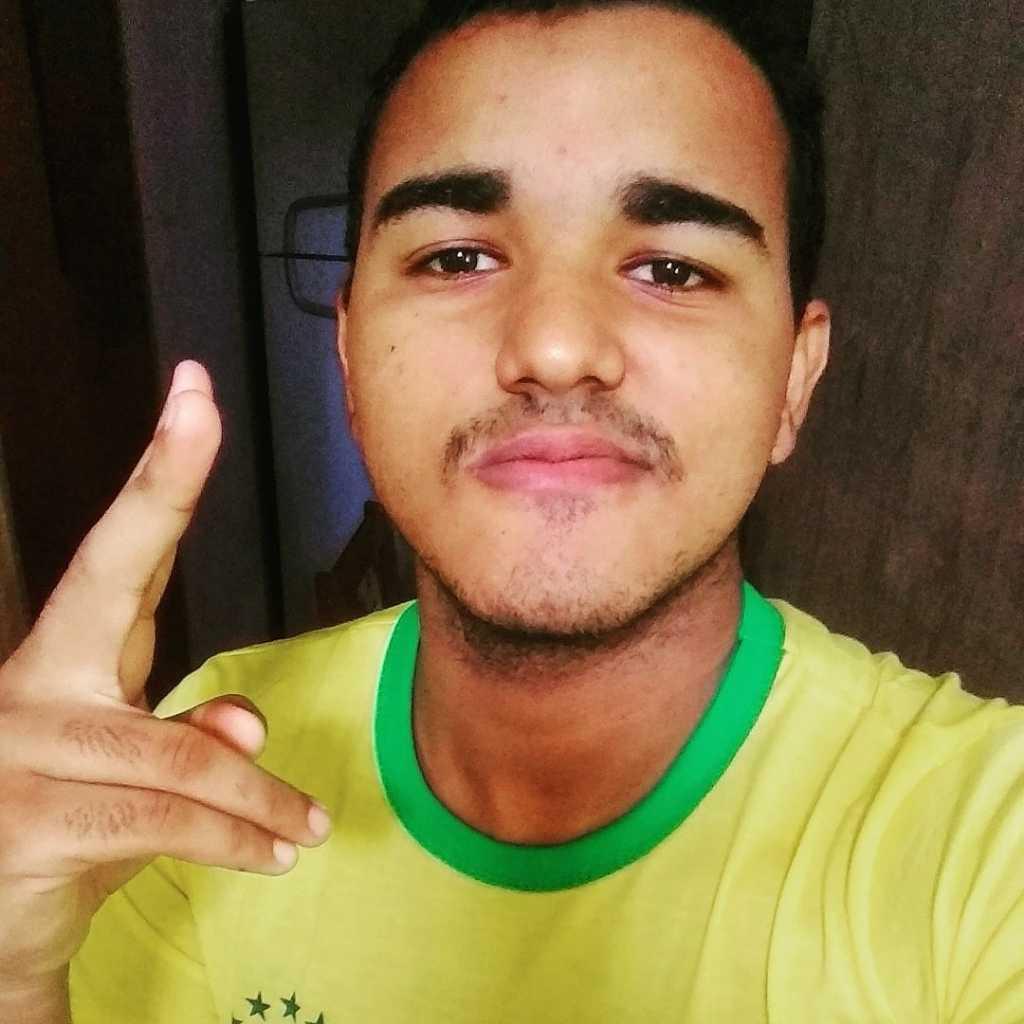 Witney Dias