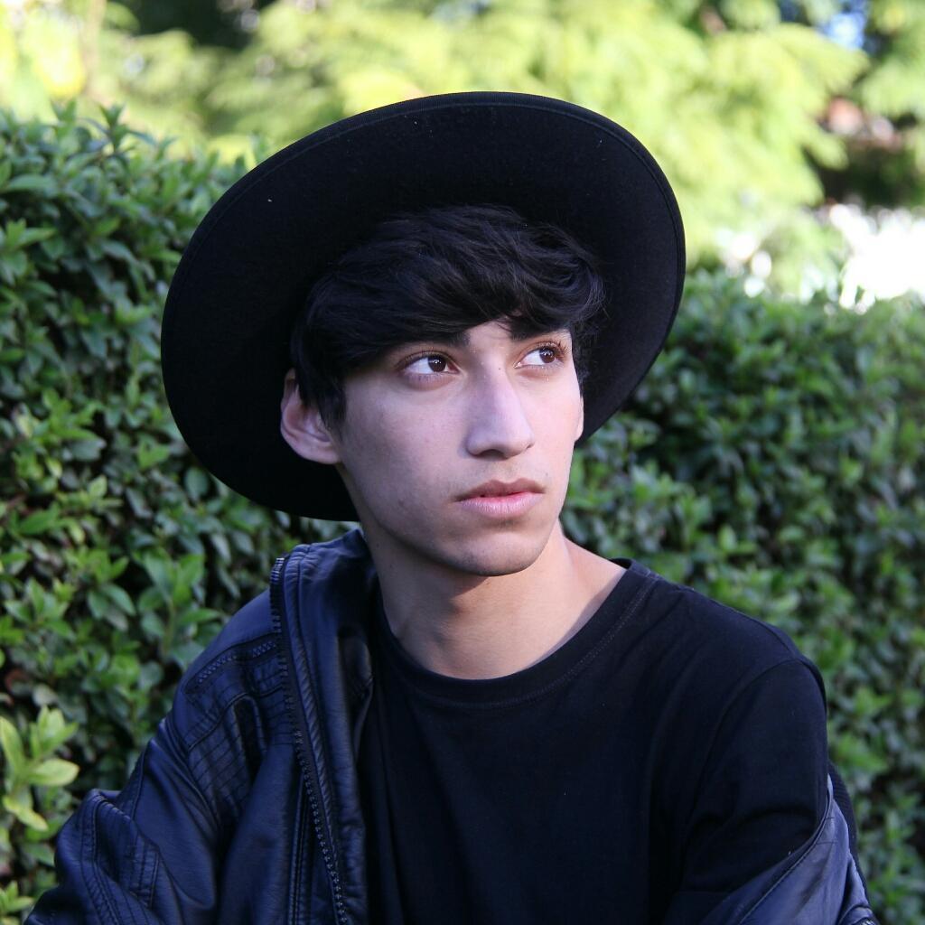 Alec 🍙
