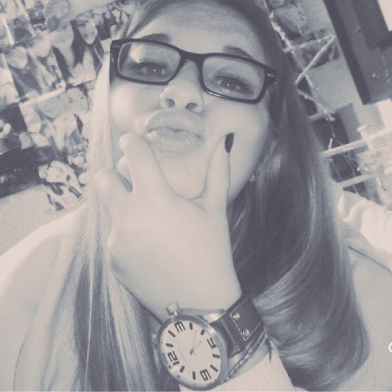 Laura ✨💖