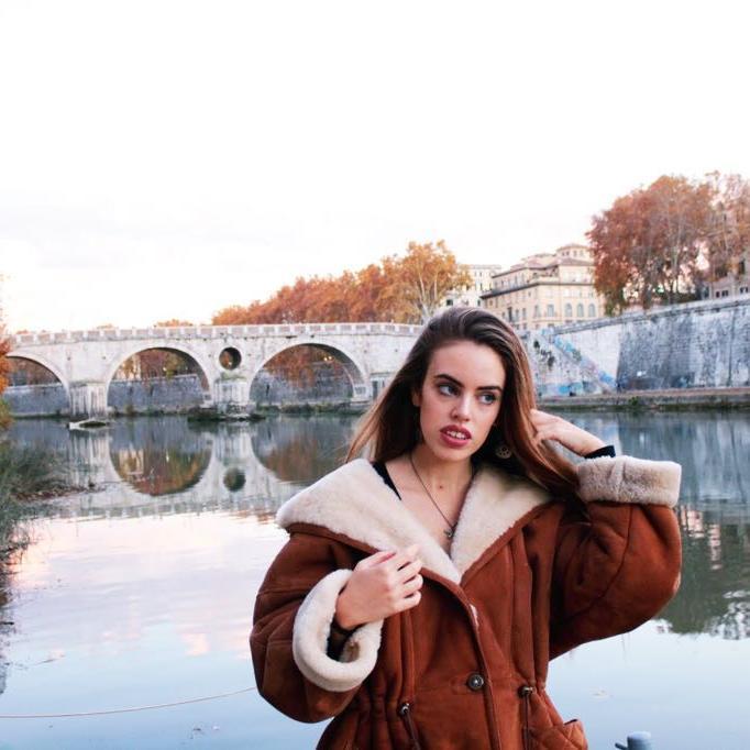 Flavia Loner