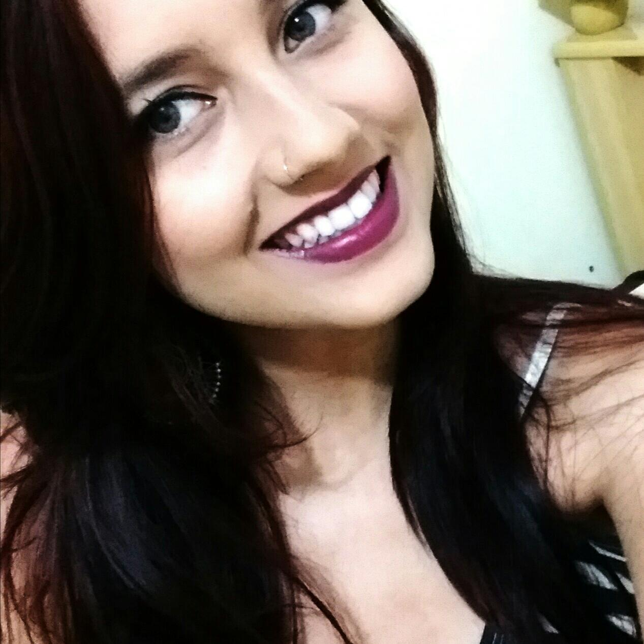 Cynthia Ribeiro