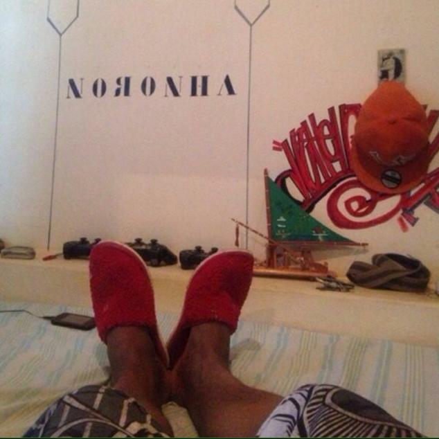 "N ""The""... Noronha"