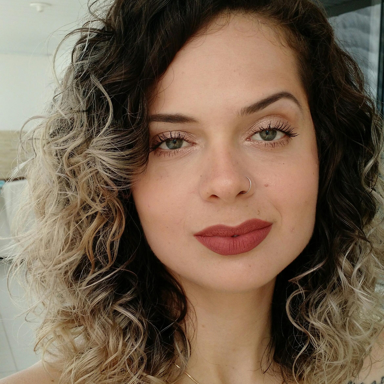 Celina Oliveira