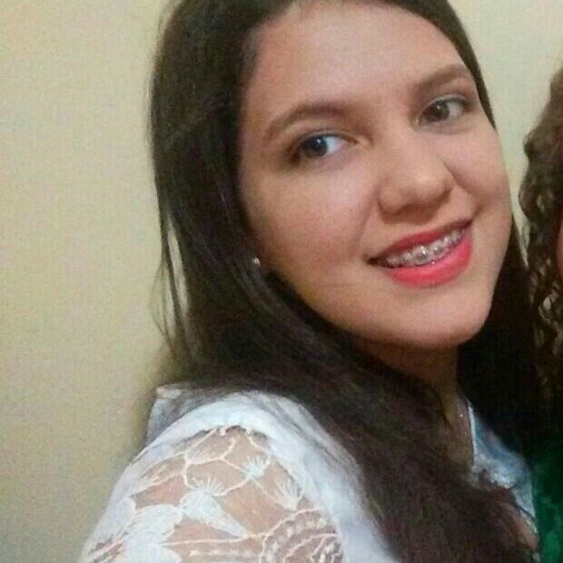 Ana Lívia Oliveira